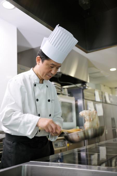 株式会社LEOC グランダ山手通内の厨房
