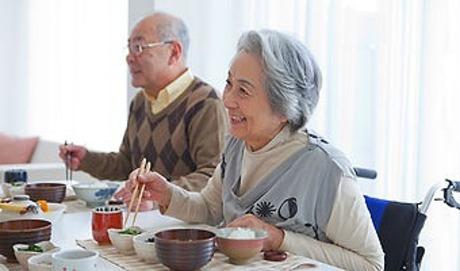 日清医療食品株式会社 特別養護老人ホームまどか園(関西支店)