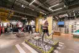 adidas Brand Core Store ららぽーと愛知東郷(スポーツデポ内インショップ)