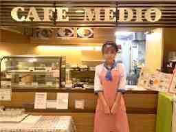カフェ・メディオ 池袋店