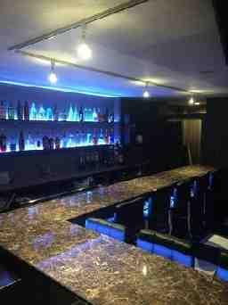 Bar Cattleya