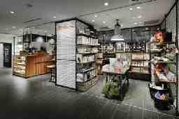 cafe&books bibliotheque LUMINE有楽町店
