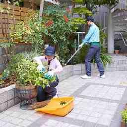 【茨木市】ダスキントータルグリーン(庭木の管理スタッフ)